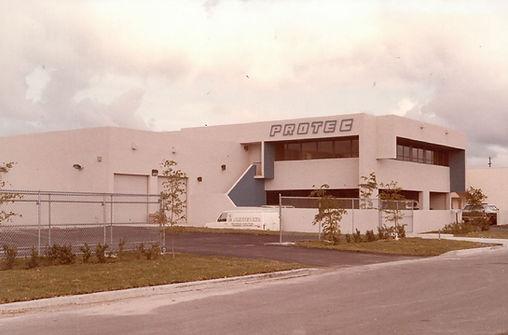 1983 (2).JPG