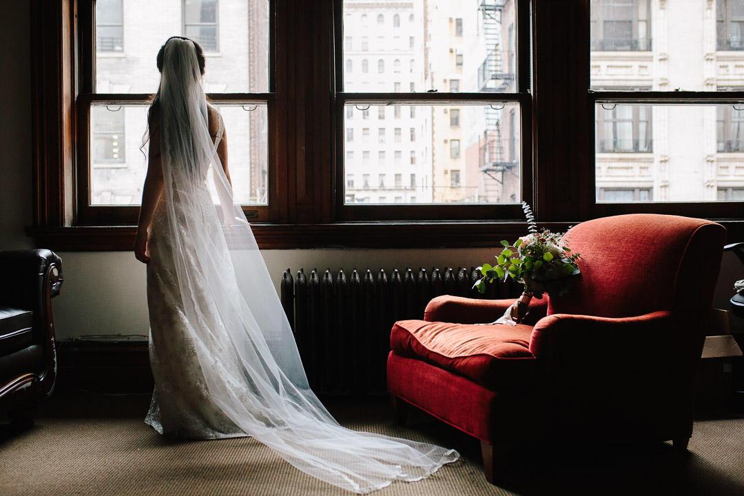 lifestyle wedding bride portrait fletkefoto