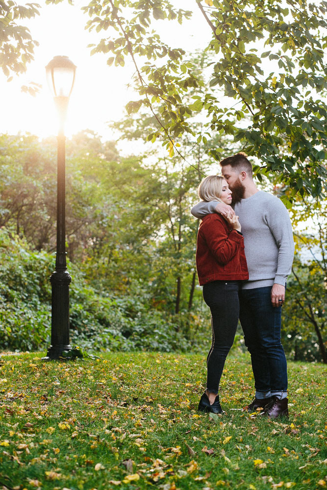 outdoor lifestyle couple session