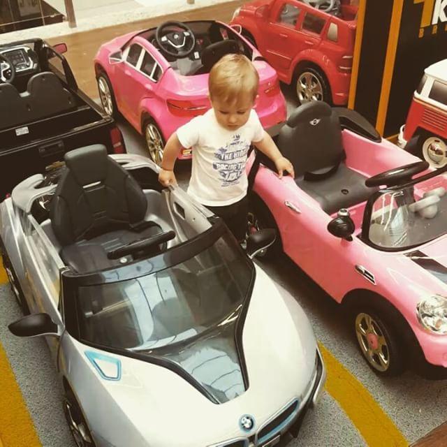 Com tantas opções fica até difícil de escolher! _Sábado divertido é abordo dos mini veículos da CARS