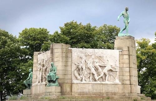 Константин Менье, Monument au Travail