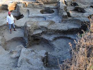 В Фанагории обнаружили стелу с надписью от имени царя Дария