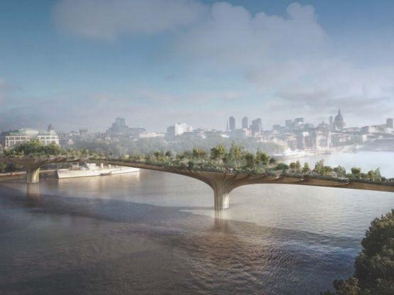 Фото: Противники проекта считают, что мост испортит облик города