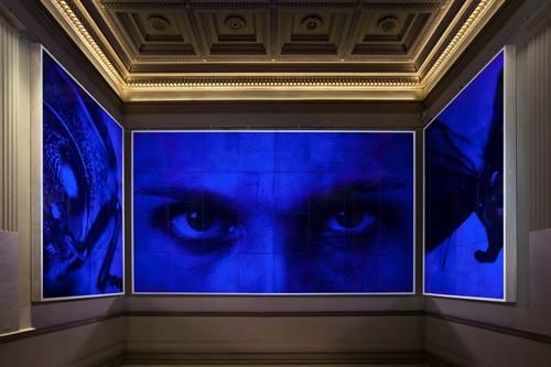 Ян Фабр, «Синий взгляд». Брюссель, Королевский Музей Изящных Искусств
