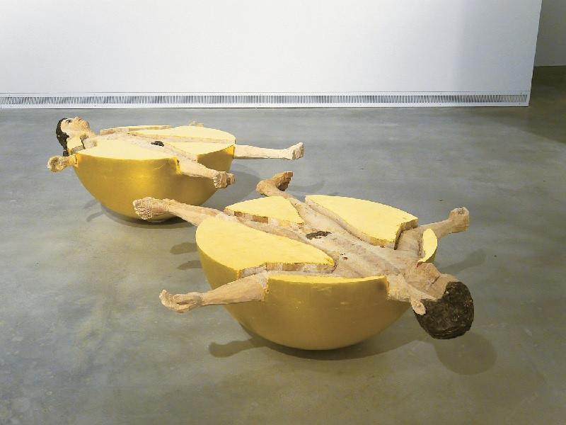 Стефан Балкенхол. Сферические люди (Женщина и мужчина). Инсталляция, 2012 г.