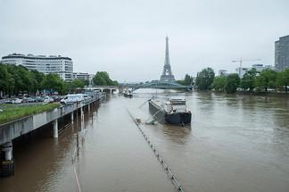 Лувр и Орсэ закрыты в связи с угрозой наводнения