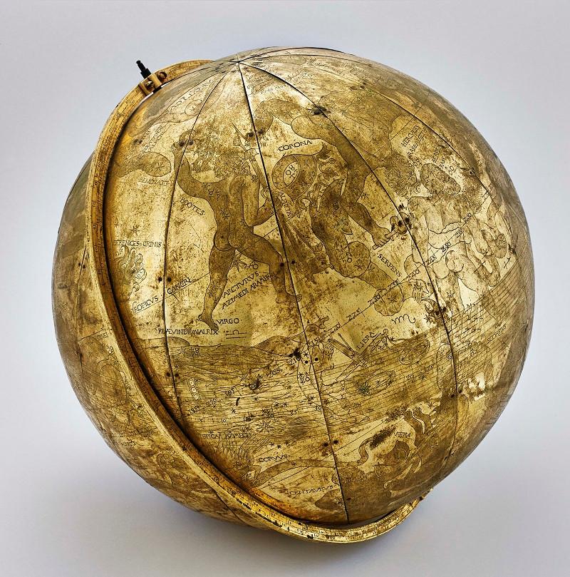 1.Небесный глобус. Германия, Аугсбург, 1575 год. Кристофер Шисслер. Медь, железо, золочение, гравировка. Национальный дворец Синтры, Португалия