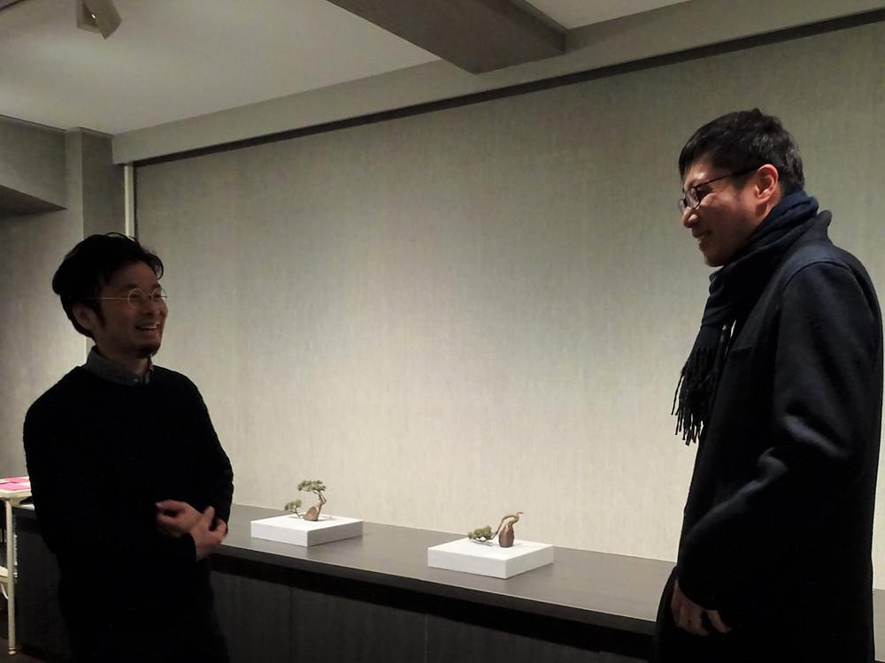 畠春斎(釜師)が高橋賢悟氏(鋳金作家)の出品するグループ展を見に行きました