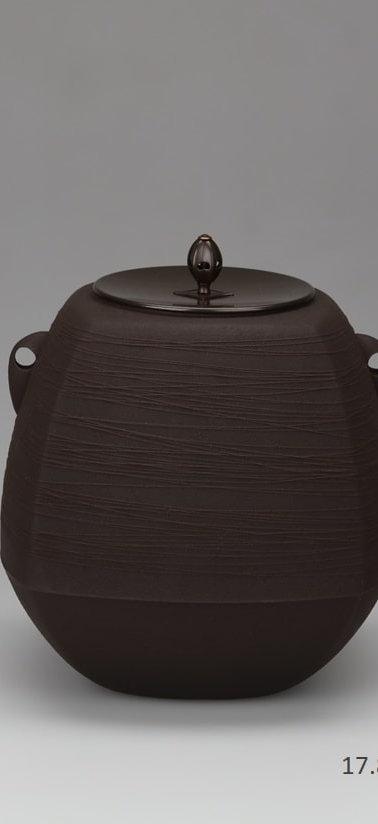 三代畠春斎❘2017日本伝統工芸金工展|四方釜|Square tea ceremony kettle