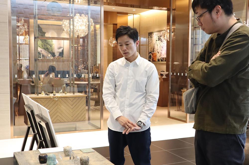 畠春斎(釜師)が尾崎迅氏(鋳金作家)の展覧会を見に行きました
