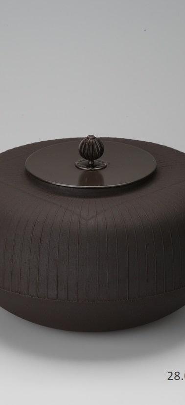 三代畠春斎❘2015日本伝統工芸富山展|菱文筋釜|Rhombus and striped tea ceremony kettle