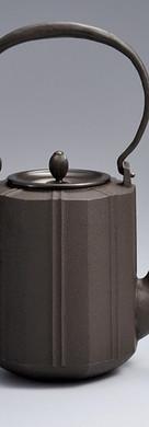 2018日本伝統工芸金工展八角鉄瓶Octagonal  iron kettle-