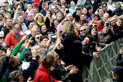 Tim Wilhelm mit Fans