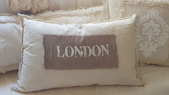 Almohadón London arena relieve 60 x 40
