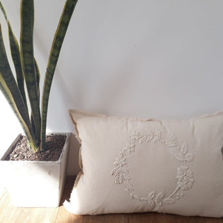 Almohadon bordado Mexican 65 x 40