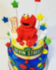 Elmo says _Happy Sunday!_ #issacake #cus