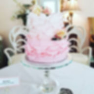 How sweet is this cake!_!_!_ #Chic and #