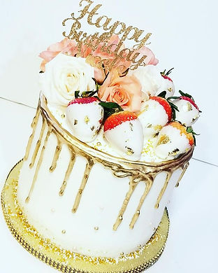 Drip Cakes are all the rage and I'm lovi