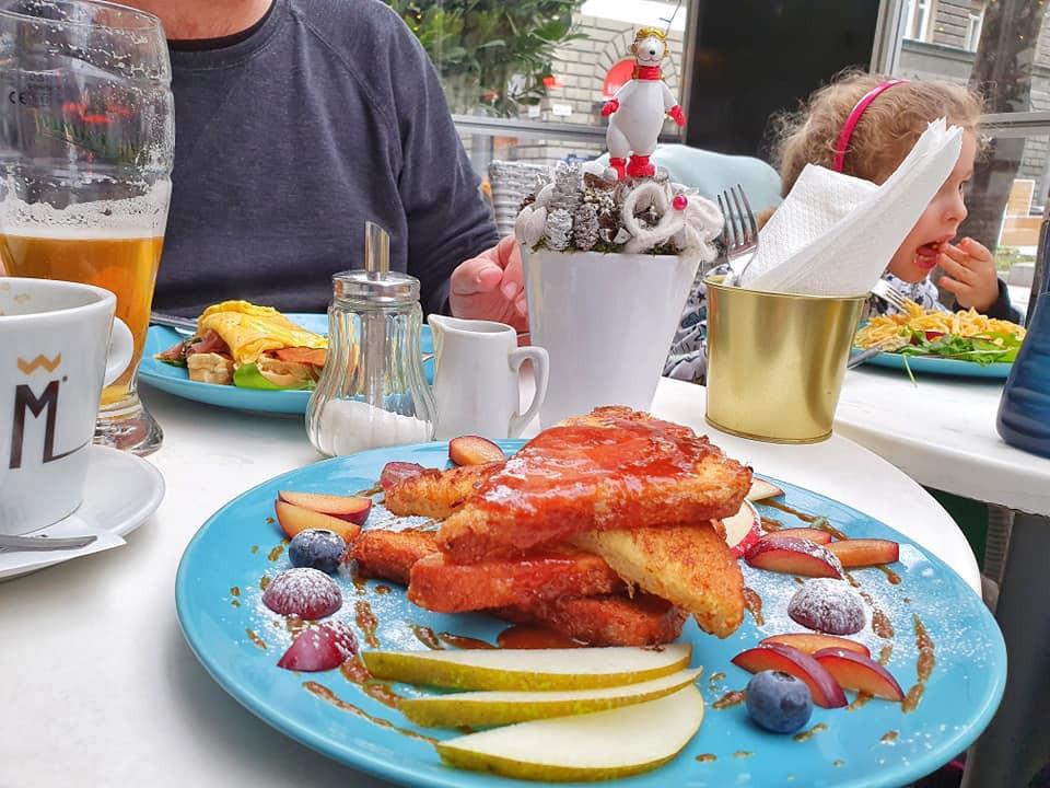 ארוחת צהריים ב-Gisell