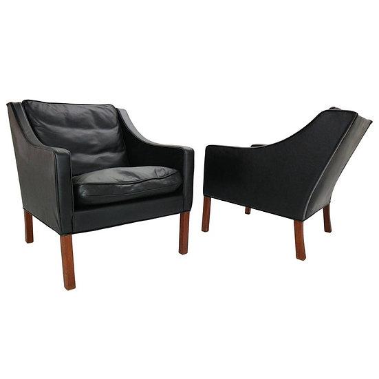 Set of 2 Børge Mogensen Model #2207 Black Leather Lounge Chairs, 1960 Denmark
