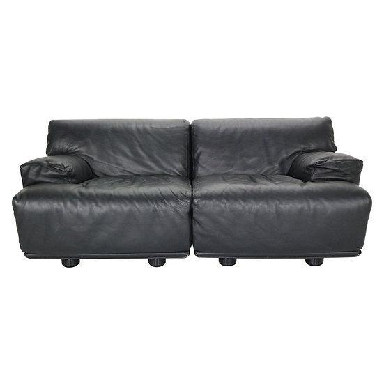 "Leather 2-Seat Sofa ""Fiandra"" by Vico Magistretti for Cassina, 1970, Italy"