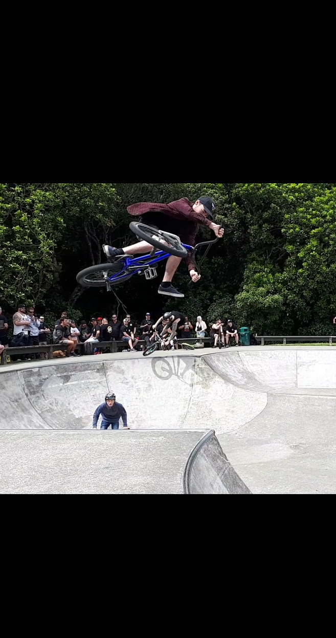 Jack with awesome style on the big hip!