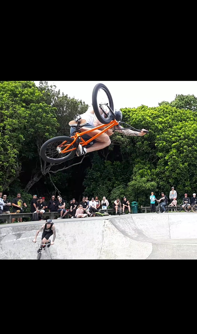 Steve rode awesome all day. Flowing the bowl like hes a local. Making the trip down from Auckland!