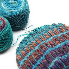 Briochepira Cowl :: brioche cowl knitting pattern