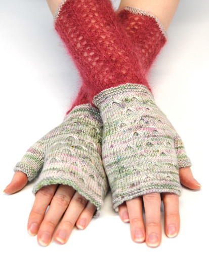 Linnea Mitts :: fingerless mitts knitting pattern