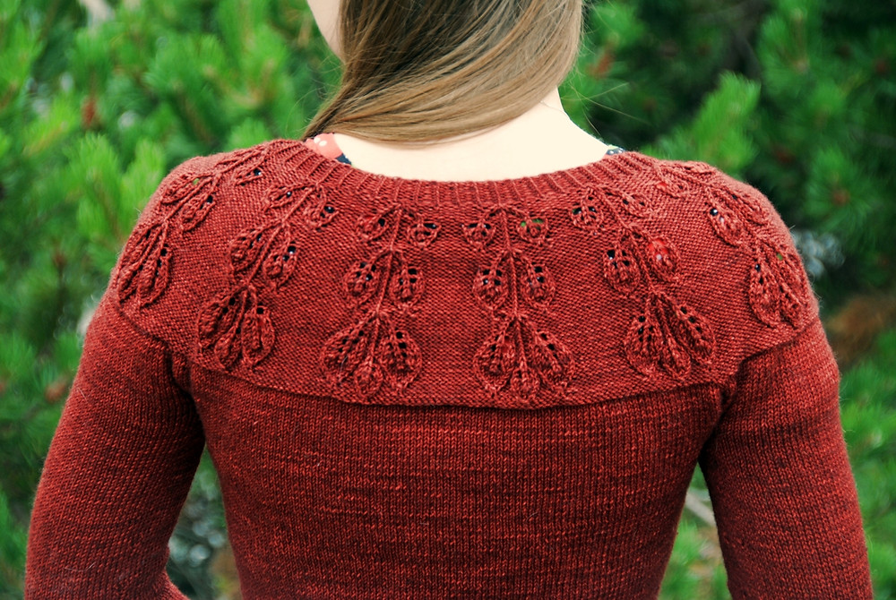Leaf lace detail on the yoke of the Mirkwood Cardigan