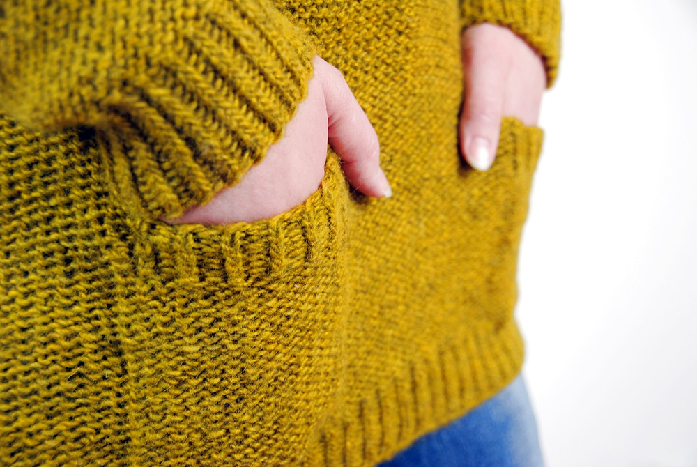 Set-in pockets on the Soothsayer sweater knitting pattern
