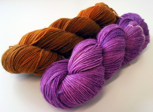 Hand-dyed DROPS Fabel sock yarn