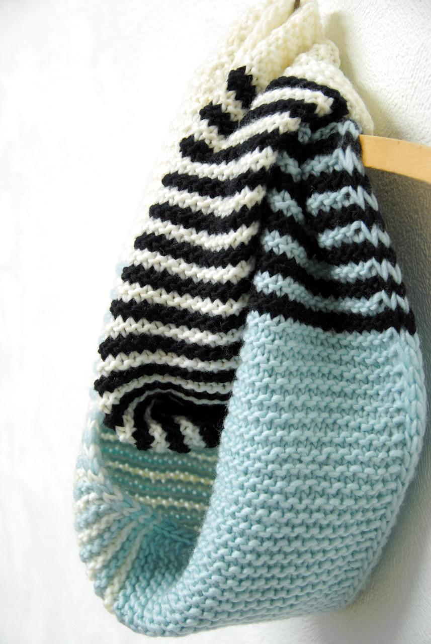 Palindrome Cowl :: knitting pattern