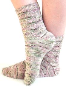 Linnaea Socks :: sock knitting pattern