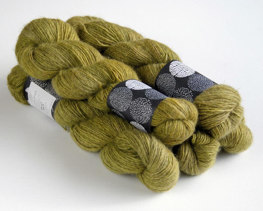 Kässäkerho Pom Pom Suoma Single, a non-superwash Finnsheep yarn from Finland