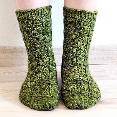 Interleaved :: sock knitting pattern