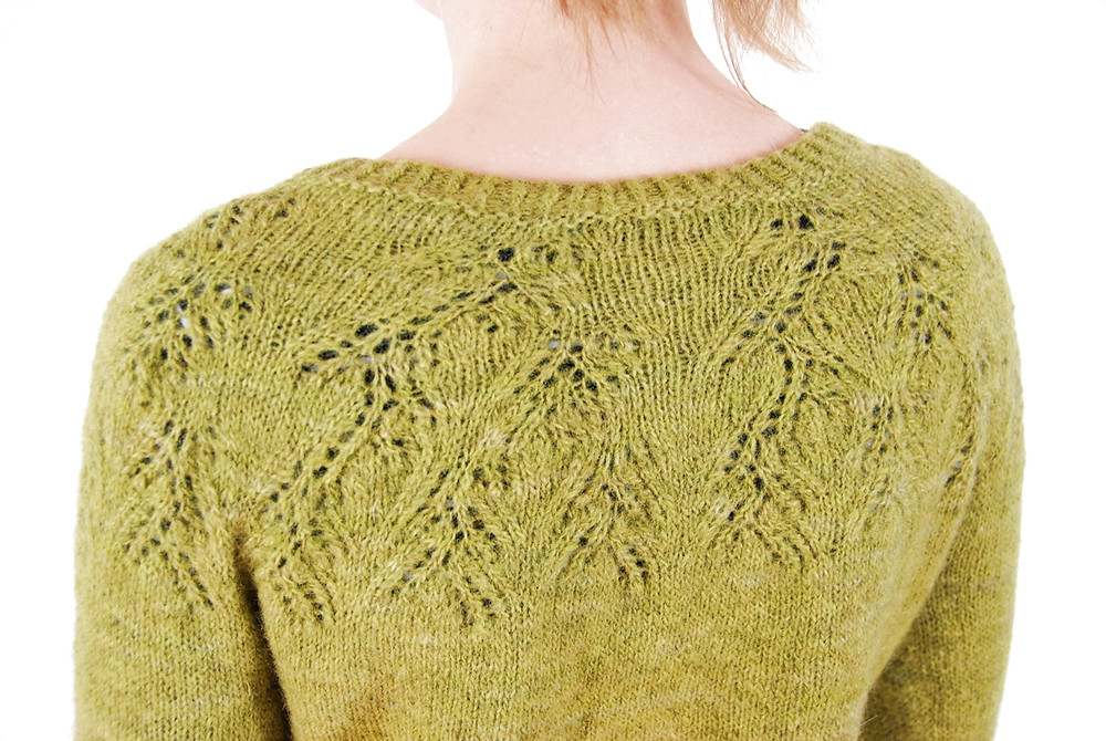 In Matcha Latte short rows are added to the bottom of the yoke to lengthen the back
