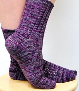 Wolfberry :: sock knitting pattern
