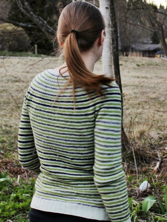 Mon petit gilet rayé with added short-rows on the upper yoke