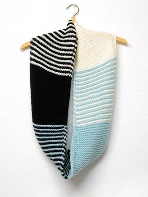 Palindrome Cowl :: cowl knitting pattern