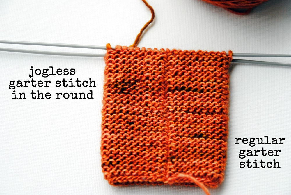 Jogless vs. regular garter stitch in the round