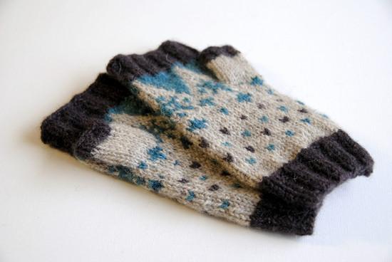 Frysa Mitts :: fingerless mitts knitting pattern