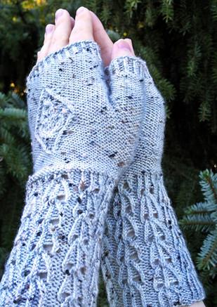 Evergrey Mitts :: fingerless mitts knitting pattern