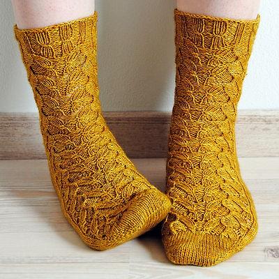 Emmer Wheat Socks :: sock knitting pattern