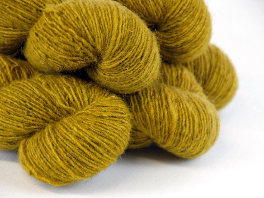 Kässäkerho Pom Pom Suoma Single DK, a non-superwash Finnsheep yarn from Finland