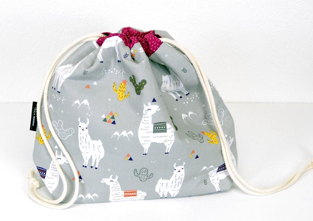 Drawstring bags with llamas