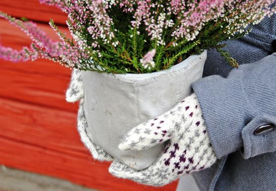 Shortest Day :: mittens knitting pattern