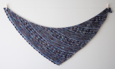 Echo Azure :: shawl knitting pattern