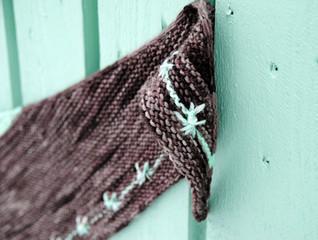 Pennyflower :: shawl knitting pattern