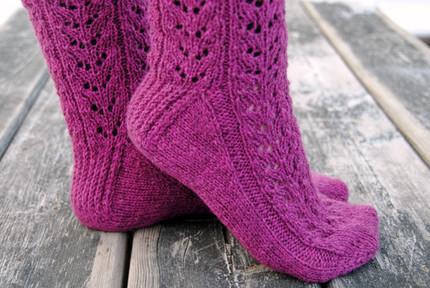 Wild Sage Socks :: sock knitting pattern